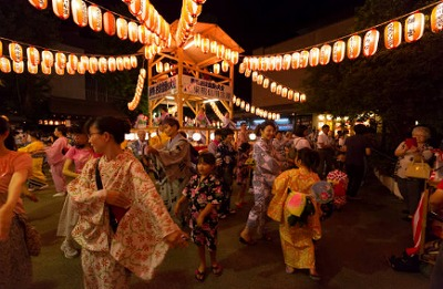 s 2018 08 14 10h08 01 - 祖師ヶ谷大蔵のウルトラマン商店街は夏祭りが充実!盆踊りデートはいかが?