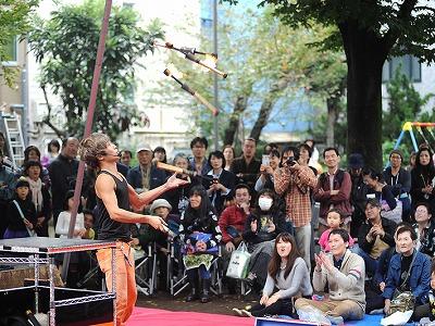s 2016 de s 710x533 - 三茶de大道芸とアート楽市の2018年の日程は?雨天決行って本当?